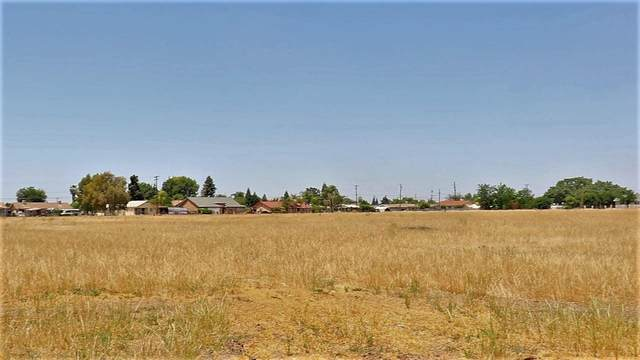 0 414  Road, Orosi, CA 93647 (#559557) :: Raymer Realty Group