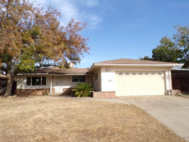 4828 N Warren Avenue, Fresno, CA 93705 (#568412) :: Raymer Realty Group