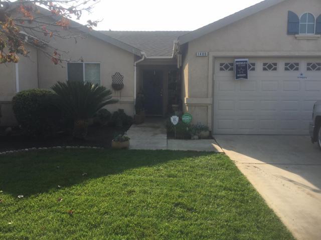 1406 Briarwood Drive, Dinuba, CA 93618 (#513480) :: FresYes Realty