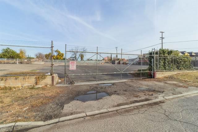 1206 N Effie Street, Fresno, CA 93703 (#534496) :: FresYes Realty
