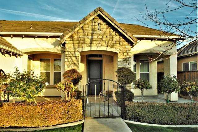 1823 N Graybark Avenue, Clovis, CA 93619 (#534711) :: FresYes Realty