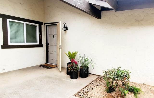 317 W Sierra Avenue #105, Fresno, CA 93704 (#550158) :: FresYes Realty