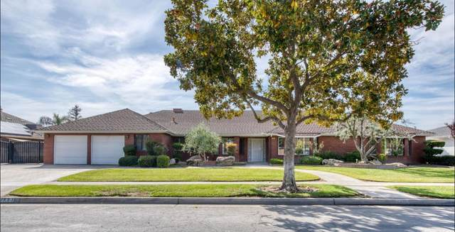 1693 E Cromwell Avenue, Fresno, CA 93720 (#568342) :: Raymer Realty Group