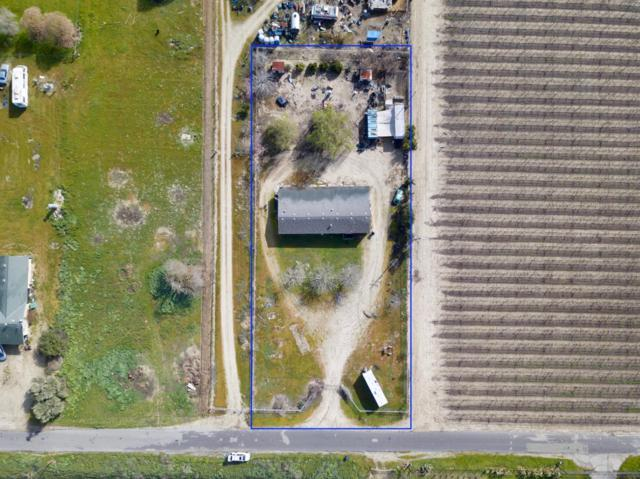 15716 S Hughes Avenue, Caruthers, CA 93609 (#516613) :: FresYes Realty
