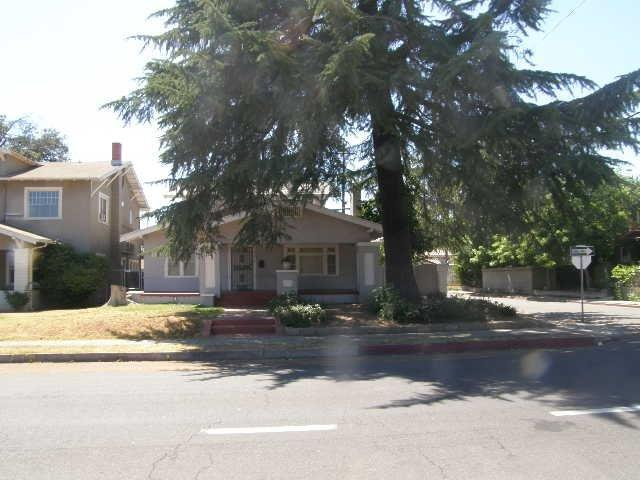 1293 N Van Ness Avenue, Fresno, CA 93728 (#489997) :: Raymer Team Real Estate