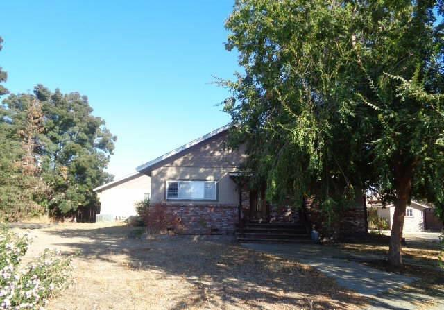 1286 S Frankwood Avenue, Sanger, CA 93657 (#492545) :: Raymer Realty Group