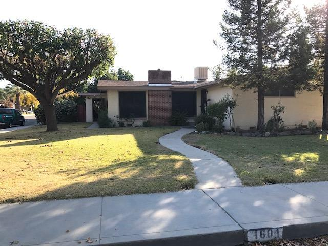 1601 Cherry Avenue, Sanger, CA 93657 (#493438) :: Raymer Realty Group