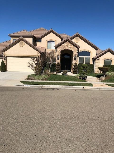 4130 W Ellery Way, Fresno, CA 93722 (#497381) :: FresYes Realty