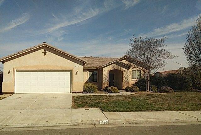 1120 W Dustin Avenue, Fowler, CA 93625 (#498605) :: FresYes Realty