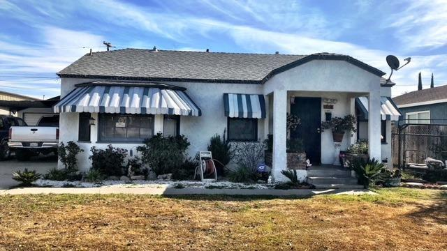 316 S West Street, Tulare, CA 93274 (#498806) :: FresYes Realty