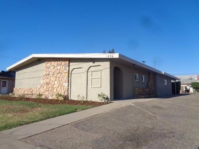 1436 P Street, Sanger, CA 93657 (#499375) :: FresYes Realty