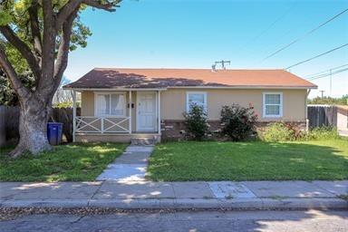 2221 Cherry Avenue, Merced, CA 95340 (#501285) :: Soledad Hernandez Group