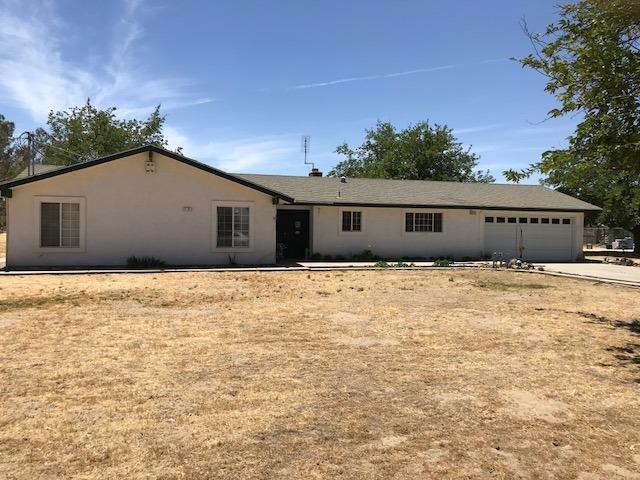 4137 Nebraska, Caruthers, CA 93609 (#504359) :: FresYes Realty