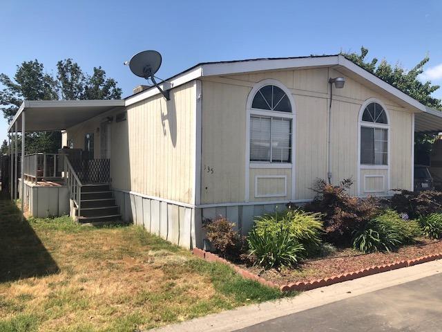 5505 W Tulare Avenue #135, Visalia, CA 93277 (#504580) :: FresYes Realty