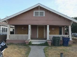 2845 E Madison Avenue, Fresno, CA 93701 (#506205) :: FresYes Realty
