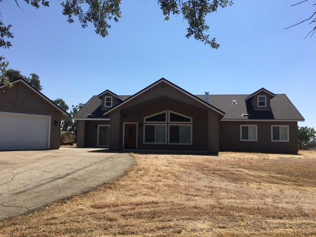45075 Old Sand Creek Road, Squaw Valley, CA 93675 (#506415) :: FresYes Realty