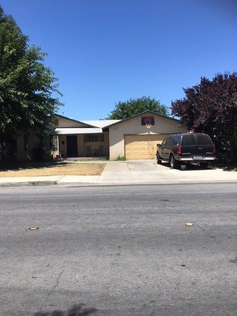 1219 E Alexander, Merced, CA 95341 (#506951) :: Soledad Hernandez Group