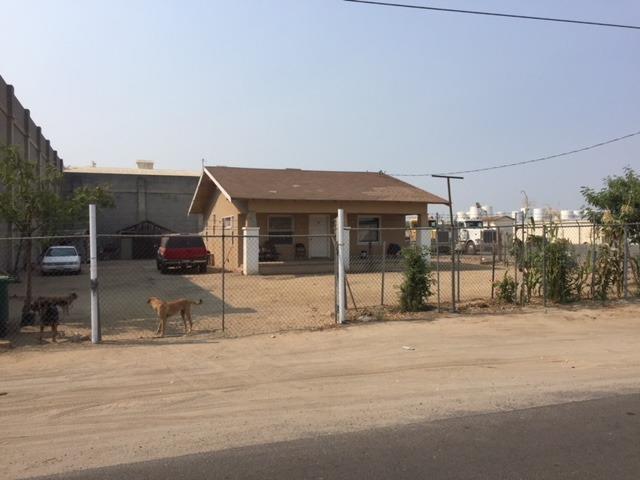 12825 W G Street, Biola, CA 93630 (#509691) :: Soledad Hernandez Group