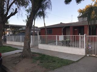 2439 S Holloway Avenue, Fresno, CA 93725 (#510268) :: Soledad Hernandez Group