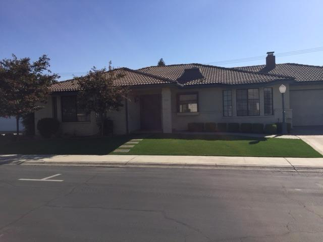 7608 Gearhart, Fresno, CA 93720 (#510530) :: Soledad Hernandez Group