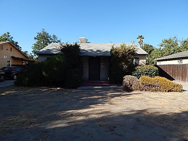 1227 E Fedora Avenue, Fresno, CA 93704 (#510532) :: Soledad Hernandez Group