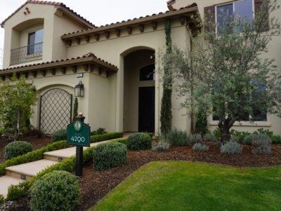 2427 E Copper Hill Drive, Fresno, CA 93730 (#510636) :: Soledad Hernandez Group