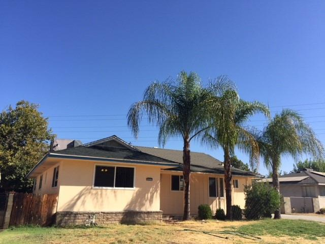 4637 E Weldon Avenue, Fresno, CA 93703 (#510765) :: Soledad Hernandez Group