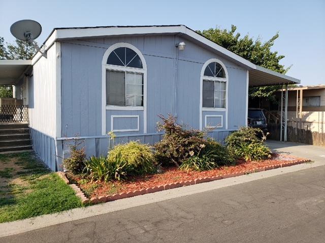 5505 W Tulare Avenue #135, Visalia, CA 93277 (#512554) :: FresYes Realty