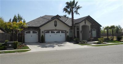 1841 E Hogan Avenue, Fresno, CA 93730 (#513063) :: FresYes Realty