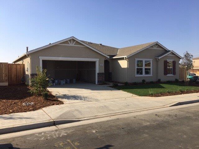 2442 S Playa Avenue, Fresno, CA 93727 (#513414) :: Raymer Realty Group