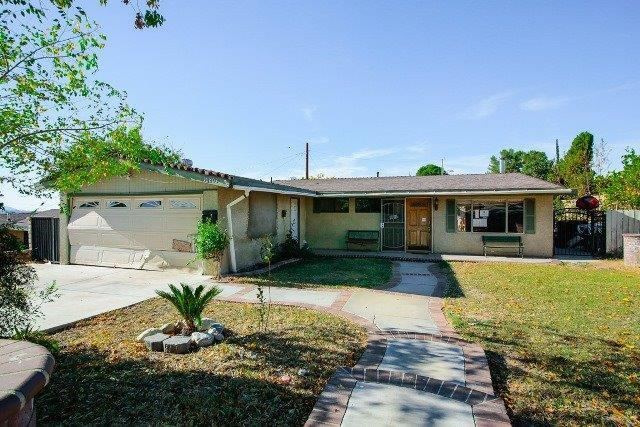 18803 Delight Street, Out Of Area, CA 91351 (#513452) :: Soledad Hernandez Group