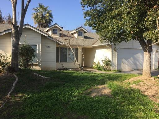 2267 N Cecelia Ave Avenue, Fresno, CA 93722 (#513497) :: FresYes Realty