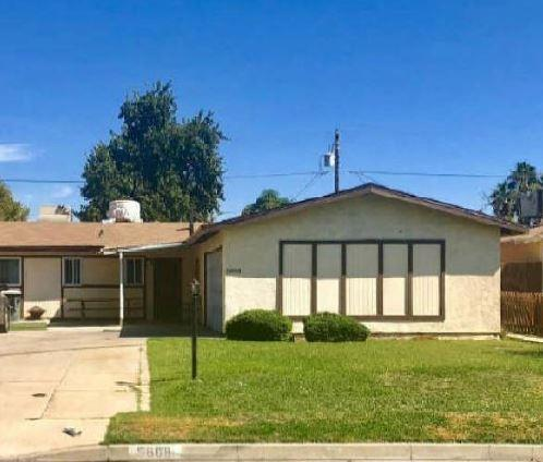 5808 Chandler Way, Bakersfield, CA 93307 (#513603) :: FresYes Realty