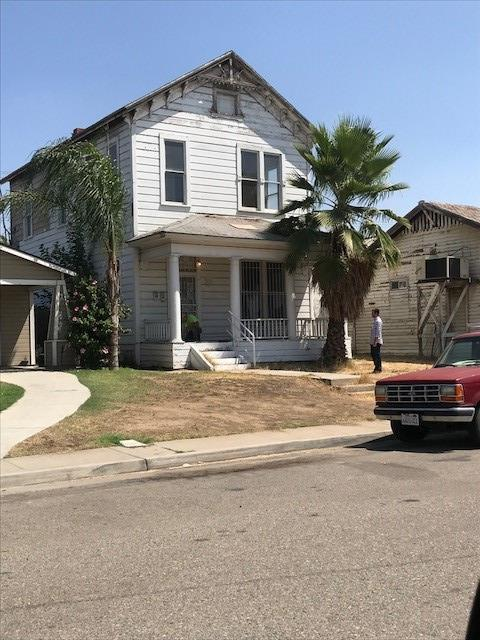 136 N Roosevelt Avenue, Fresno, CA 93701 (#513628) :: FresYes Realty