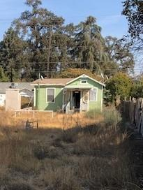 20556 S Fowler Avenue, Laton, CA 93242 (#513673) :: FresYes Realty