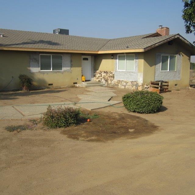 6625 Cove Road, Orange Cove, CA 93646 (#513720) :: FresYes Realty