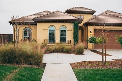 1750 N Twinberry Avenue, Clovis, CA 93619 (#514626) :: Soledad Hernandez Group