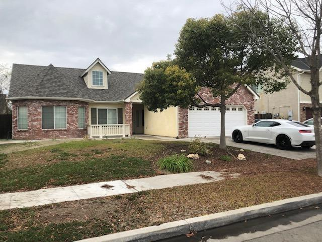 751 S Almond Avenue, Kerman, CA 93630 (#514722) :: Soledad Hernandez Group
