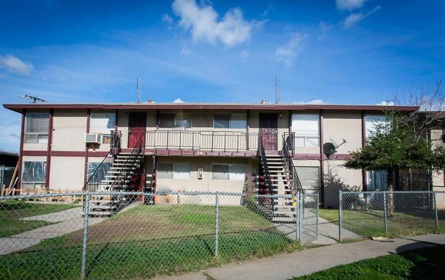 19 E Saginaw Way, Fresno, CA 93704 (#514843) :: Soledad Hernandez Group