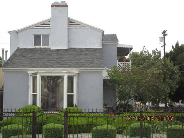 1902-1904 W 37 Th Place W, Los Angeles, CA 90018 (#515217) :: FresYes Realty