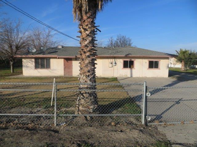 26760 W Adams, Tranquillity, CA 93668 (#515559) :: FresYes Realty