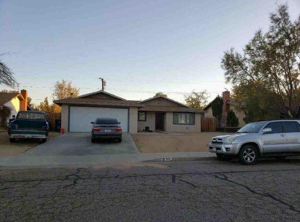 825 W Wildrose Avenue, Ridgecrest, CA 93555 (#516389) :: Soledad Hernandez Group