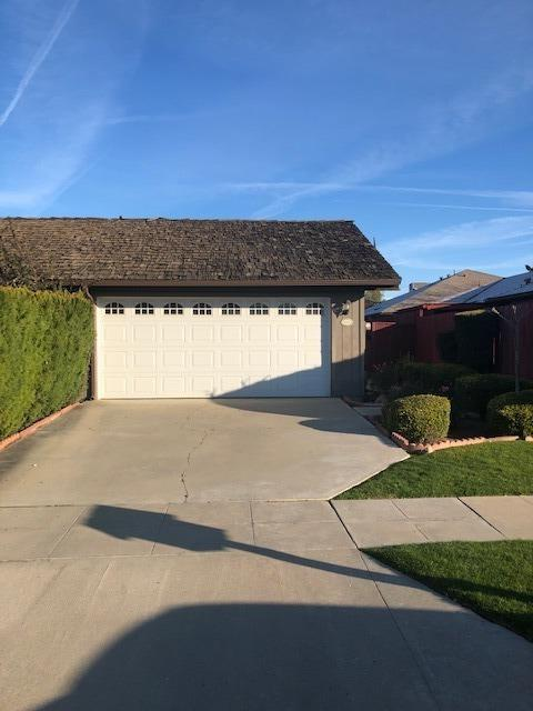 2418 W Carmen Avenue, Fresno, CA 93728 (#517518) :: Soledad Hernandez Group