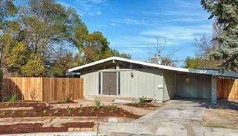 3991 N Drexel Avenue, Fresno, CA 93726 (#517846) :: Soledad Hernandez Group