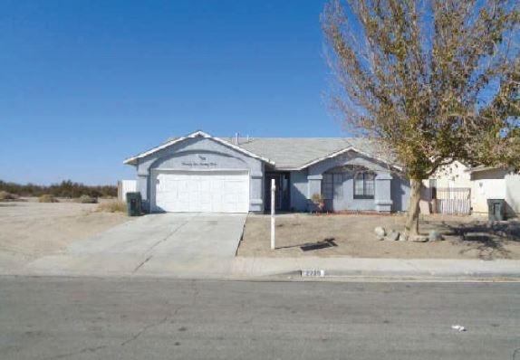 2229 Thistle Street, Rosamond, CA 93560 (#518330) :: Soledad Hernandez Group
