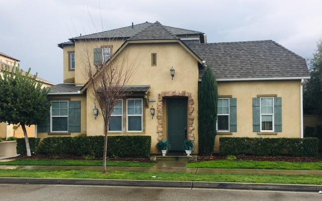 4002 Trenton Avenue, Clovis, CA 93619 (#519417) :: Raymer Realty Group