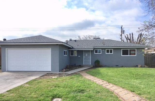 524 W Santa Ana Avenue, Clovis, CA 93612 (#519841) :: FresYes Realty