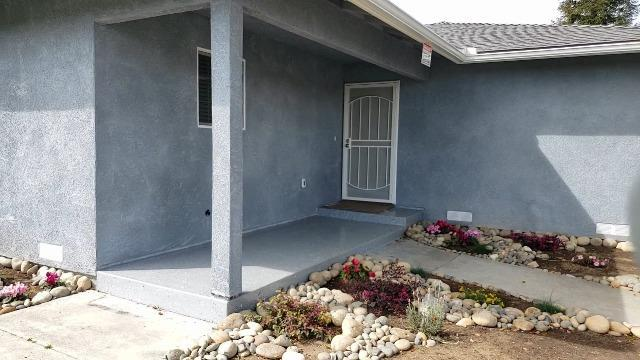 4496 E Princeton Avenue, Fresno, CA 93703 (#519962) :: Raymer Realty Group