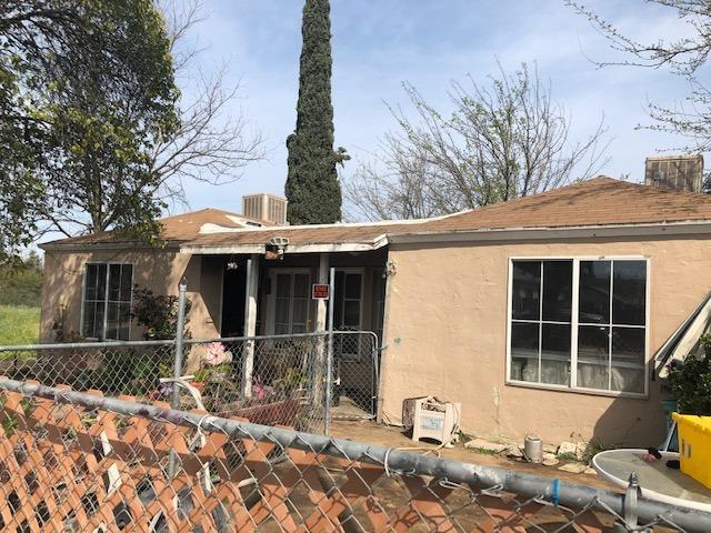 2947 E Grant Avenue, Fresno, CA 93701 (#521153) :: FresYes Realty