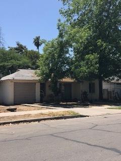 4156 E Illnois Avenue, Fresno, CA 93702 (#521263) :: FresYes Realty